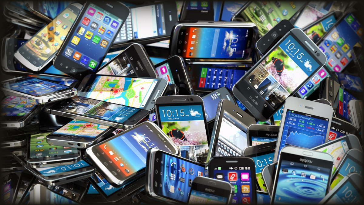 smartphone pile for spyware debugging
